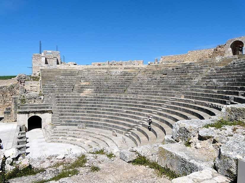 dougga-theatre-3