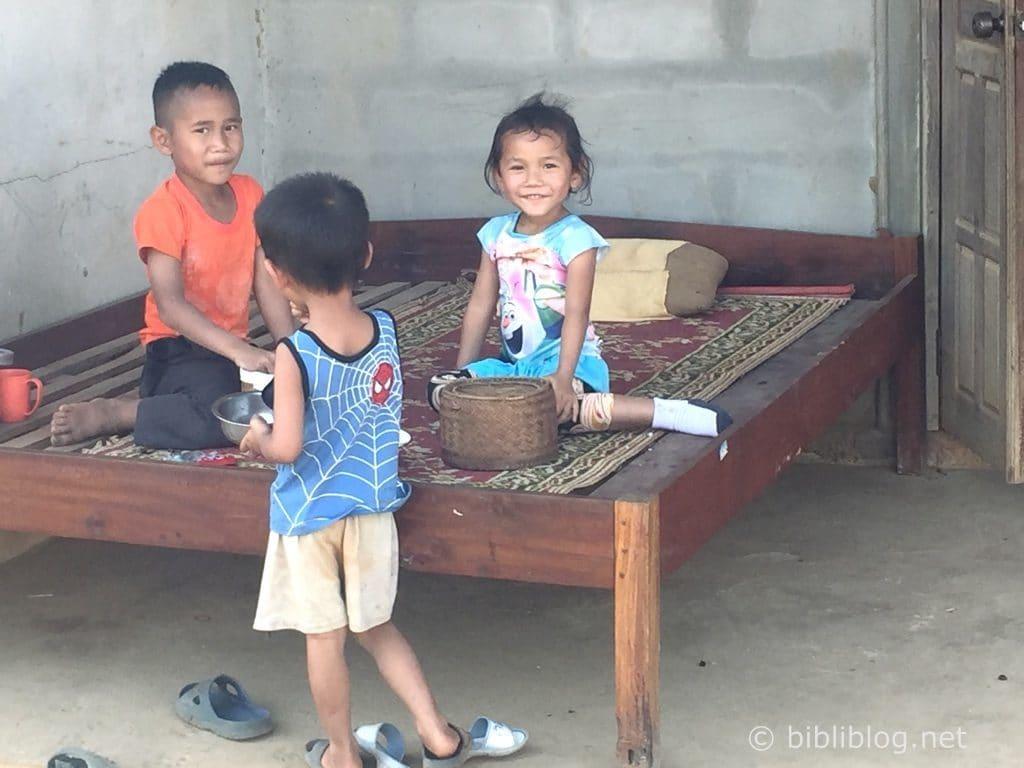 enfants-laos-1
