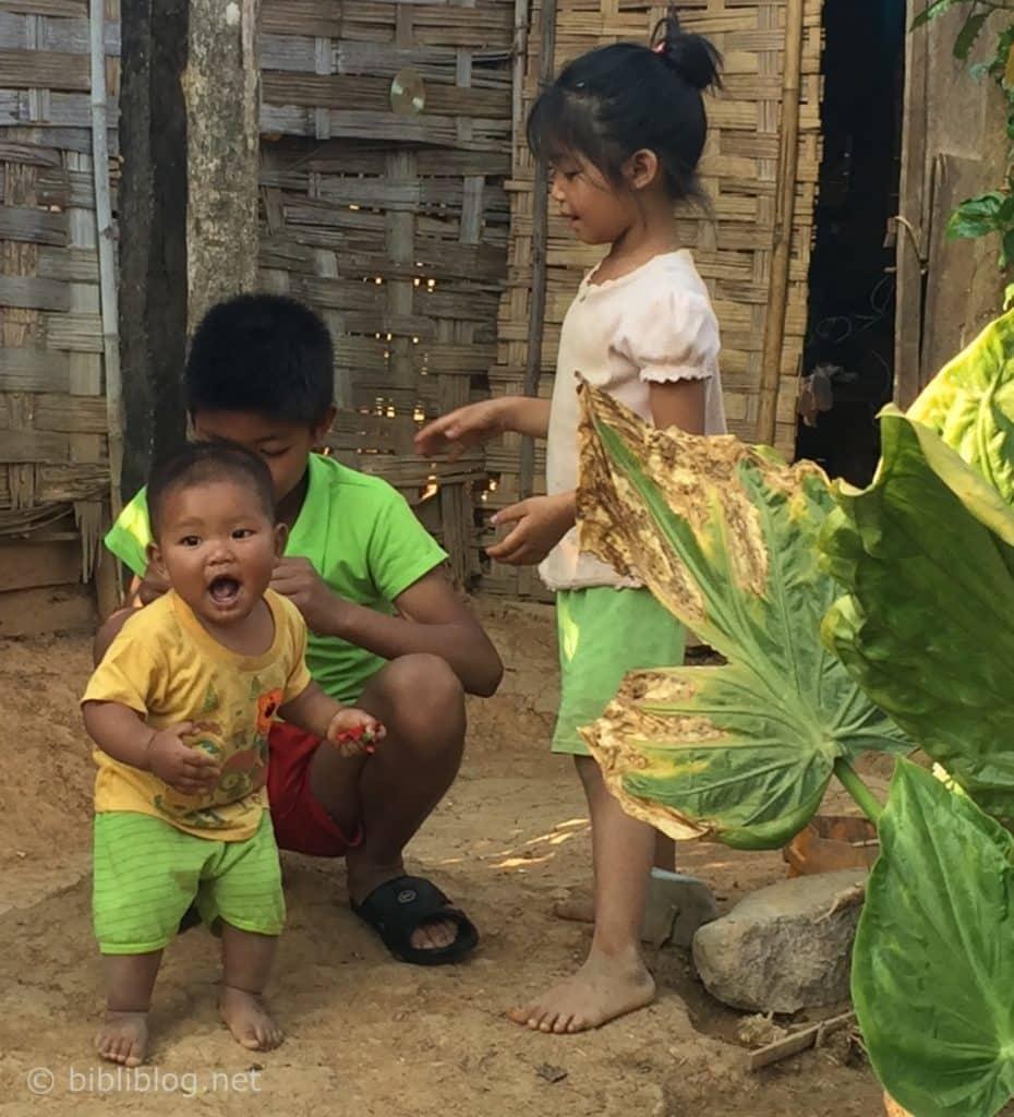 enfants-laos-2