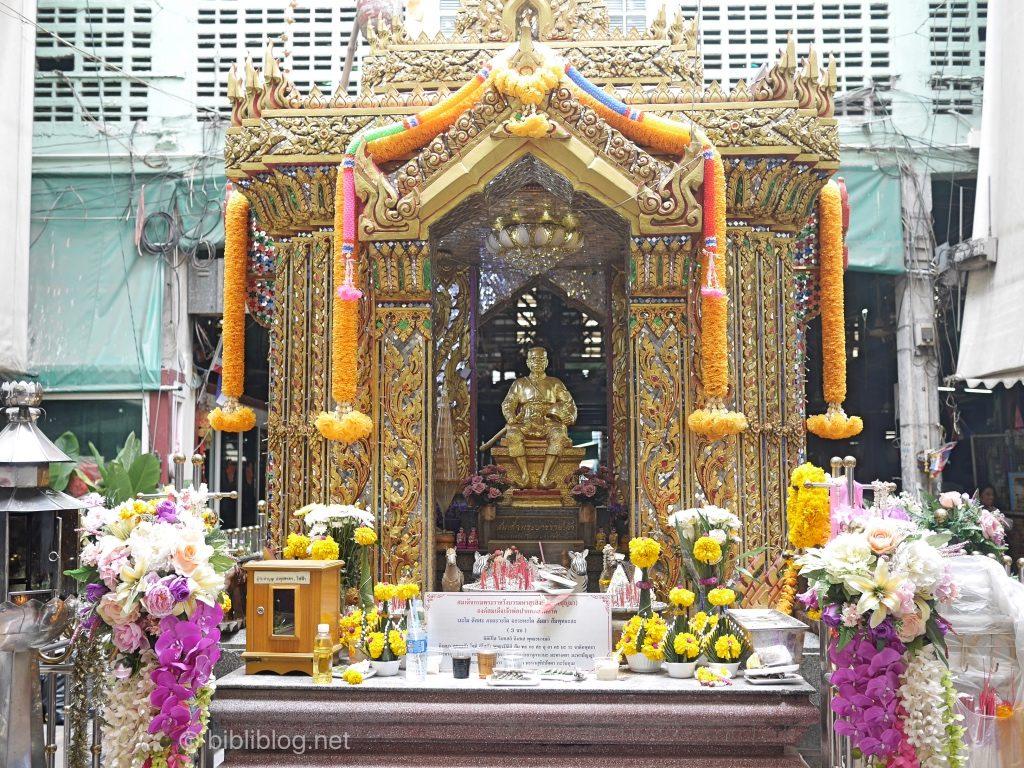 Bangkok Bouddha marché fleurs