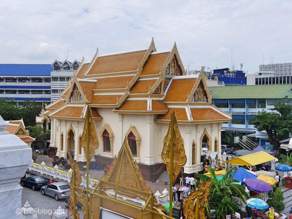 Bangkok temple Bouddha doré