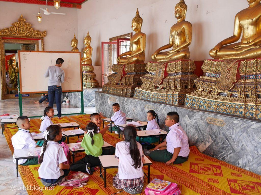 Thailande Bangkok Wat Pho école