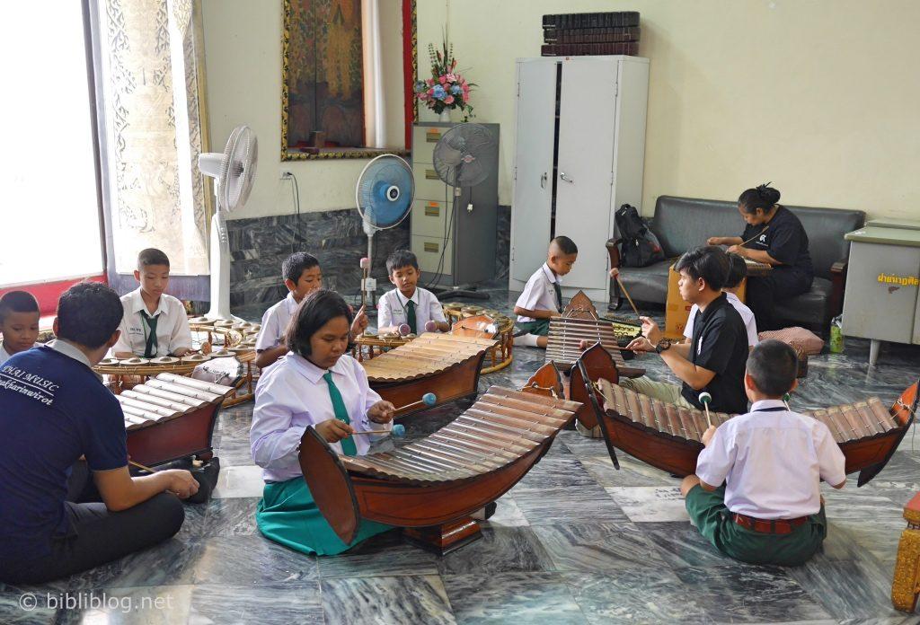 Thailande Bangkok Wat Pho école de musique