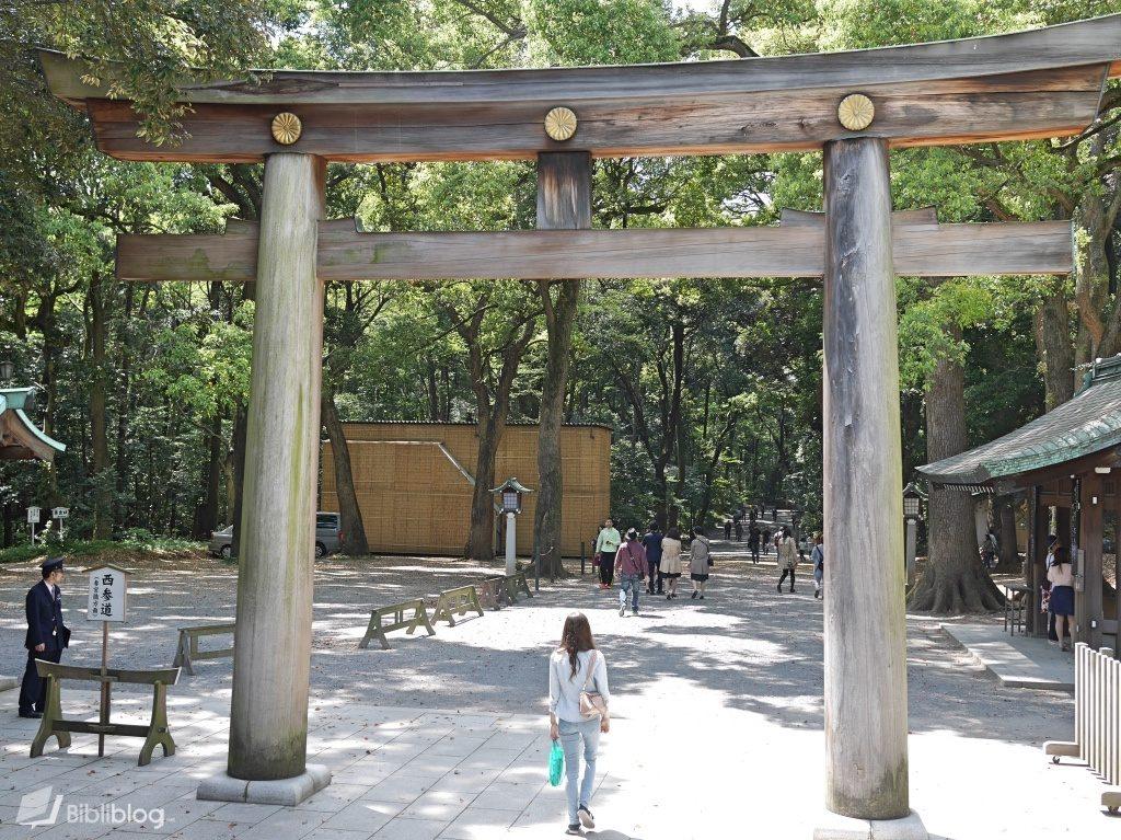 Torii du sanctuaire de Yoyogi à Tokyo