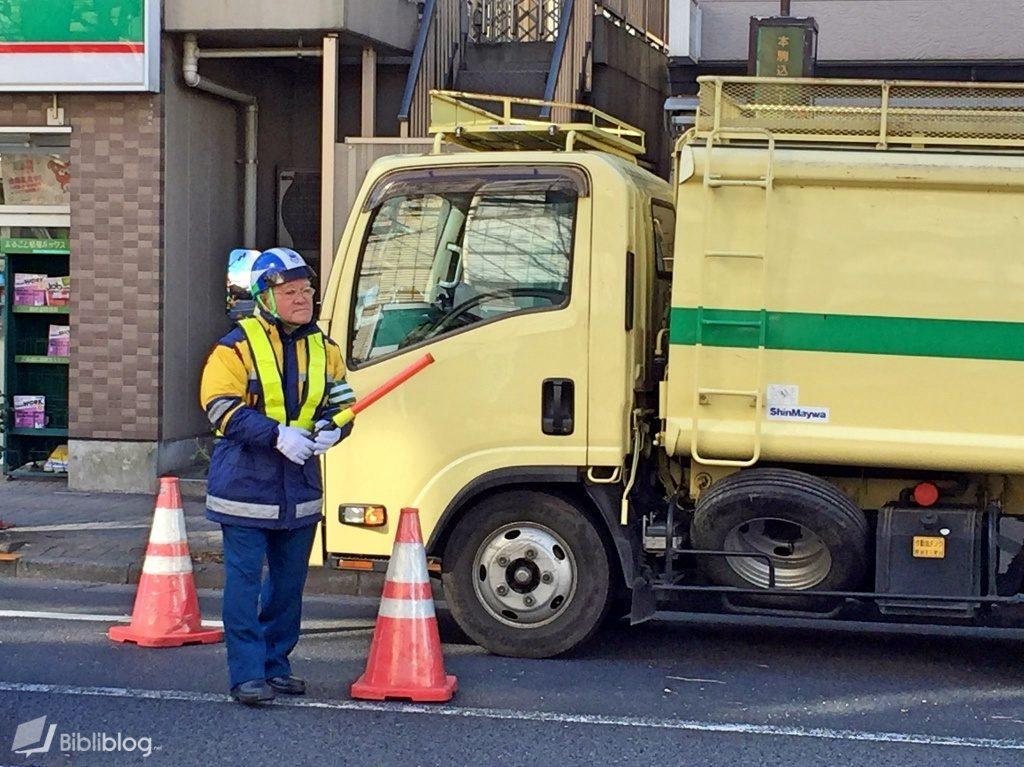 Travailleur âgé au Japon