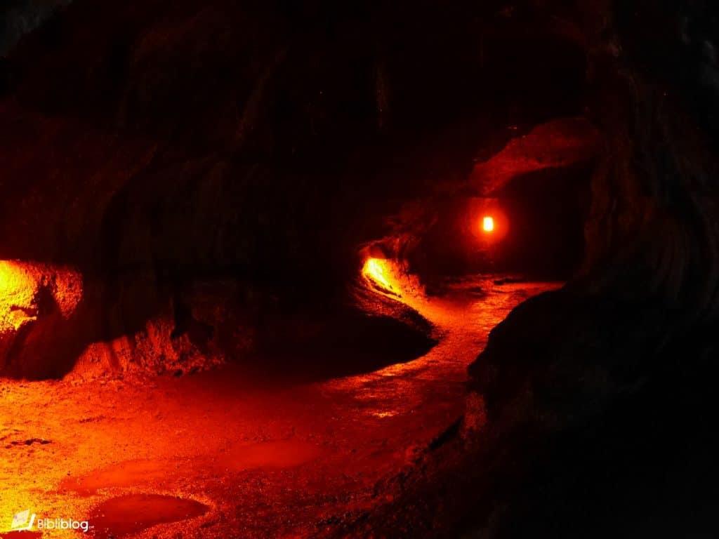 Tube de lave parc naturel des volcans de Big Island, Hawaii